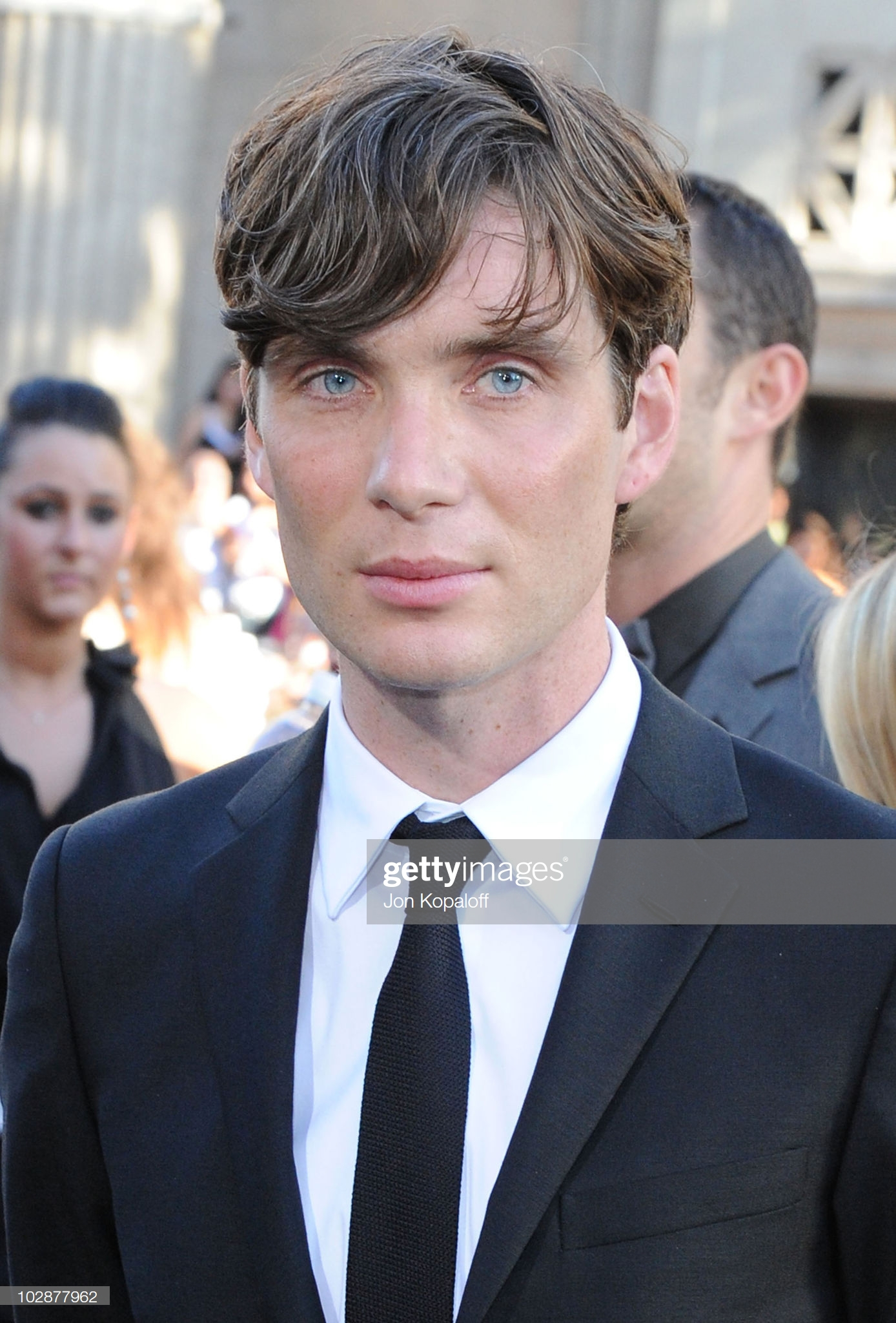 actor-cillian-murphy-arrives-at-the-los-angeles-premiere-inception-at-picture-id102877962.jpg