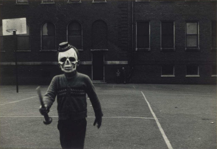 25-Deeply-Disturbing-Old-Timey-Halloween-Pictures-That-Will-Give-You-The-Jitters-8.jpg
