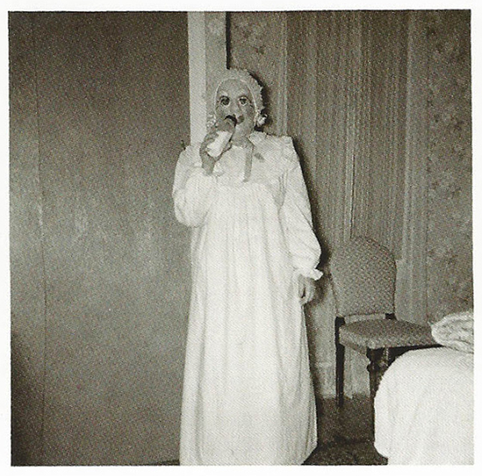 25-Deeply-Disturbing-Old-Timey-Halloween-Pictures-That-Will-Give-You-The-Jitters-26.jpg